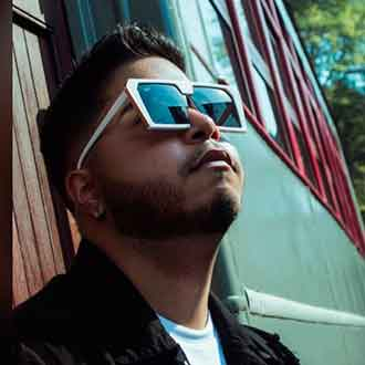 Alex Panda cantante venezolano