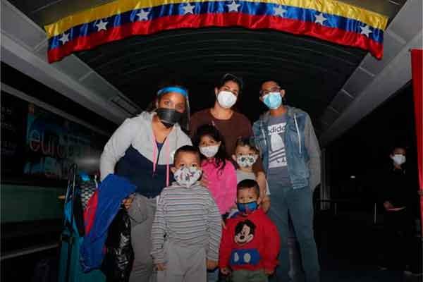 vuelta patria Perú venezolanos