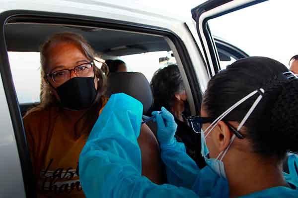 Vacunación venezolanos Perú 60