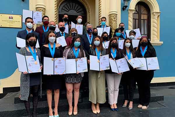 periodistas venezolanos colegiatura Perú
