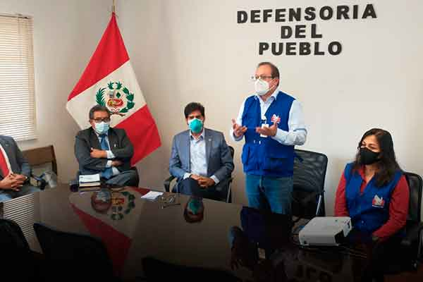 venezolanos Peru Defensoría pueblo multas